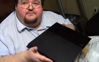 Sony official PS4 unboxing video has nothing on this guy: Francis gets his PS4 early