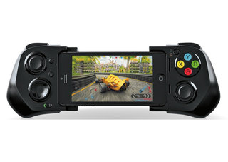 iOS 7 gets its first gaming controller in the Moga for iPhone 5, 5C, 5S and iPod Touch