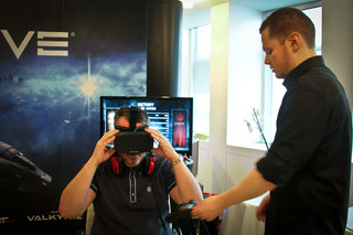 oculus rift hd and eve valkyrie hands on with the duo made for each other image 3