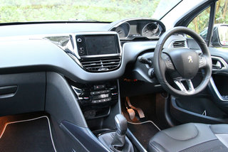 peugeot 2008 allure e hdi 92 review image 14