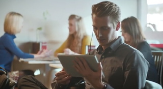 Nokia turns to iPad bashing in Lumia 2520 ad