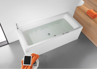 Relax in the bath while audio bubbles around you with the Sound Wave system from Kaldewei