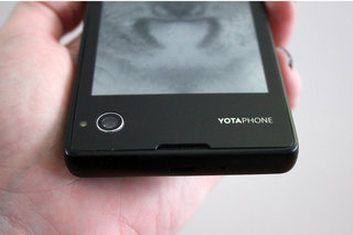 hands on yotaphone review image 11