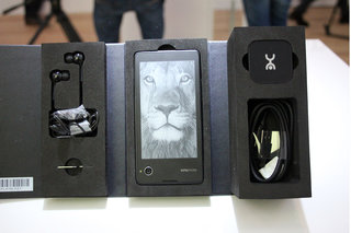 hands on yotaphone review image 17