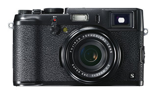Fujifilm X100S Black: Alternative to classic silver finish available this month