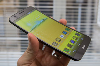 hands on lg g flex review image 2