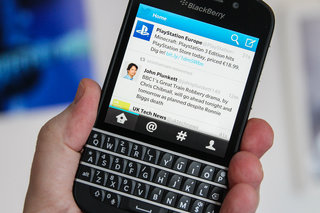 BlackBerry pulls Twitter app 10.2.2 update for BB10 and urges roll back