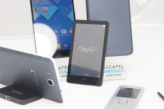 alcatel 4 inch e ink display works as a reader companion for your phone image 2
