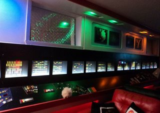 Obsessed Star Trek fan spends £18,000 to transform basement into Starship Enterprise