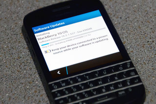 BlackBerry OS 10.2.1 update available, adds picture passwords, FM radio and more