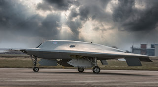 taranis unmanned stealth fighter completes test flights next generation could strike with precision  image 2