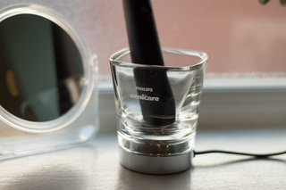 hands on philips sonicare diamond clean black review image 12