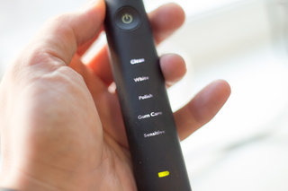 hands on philips sonicare diamond clean black review image 13