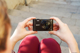 sony announces compact cyber shots for every occasion hx60v wx350 wx220 and w800 image 2