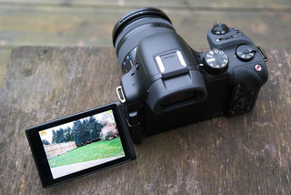 samsung nx30 review image 2