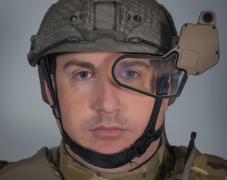 q warrior heads up display being tested in the field google glass for soldiers image 2