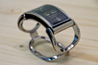 creoir ibis smartwatch jewellery pictures and hands on image 4
