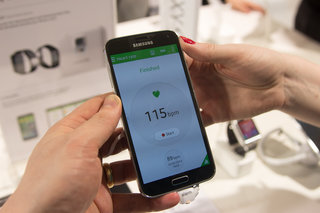 samsung galaxy s5 heart rate monitor vs iphone 5s heart rate monitor what s the difference  image 8