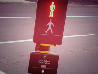 London to test smart crossing sign system, hoping to reduce pedestrian congestion