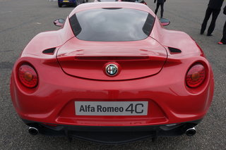 hands on alfa romeo 4c review image 16