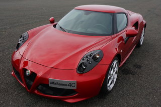 hands on alfa romeo 4c review image 3