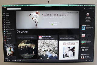 Spotify desktop update arrives all in black, has yours updated yet?