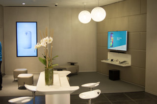 new samsung experience stores let you get touchy feely image 4