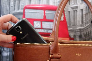 Tips to prevent your iPhone or Android phone from being stolen and what to do if it is