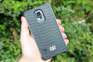 hands on cat active urban cover for iphone and samsung galaxy s5 review image 12