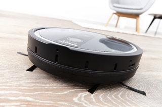 Miele Scout RX1 robotic vacuum cleaner will clean your home for hours
