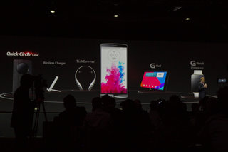 LG G Watch makes an appearance on stage, leaves us waiting