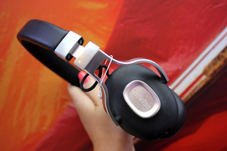 denon music maniac headphones pictures and hands on image 17