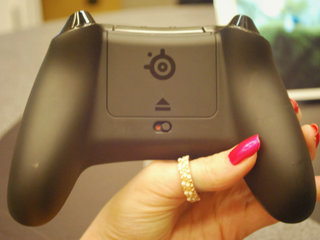 steelseries ios controller sentry eye tracker and sims 4 peripherals pictures and hands on image 3