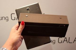 hands on samsung galaxy tab s book cover simple cover and bluetooth keyboard image 9