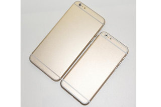 iPhone 6 mock-up made by Sonny Dickson, who leaked the iPhone 5S, showing two sizes and gold model