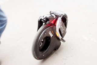 yike bike a folding electric bike that at 15mph is one crazy ride image 7