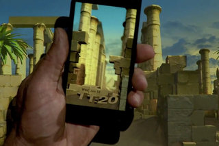 What is Amazon Fire Phone's Dynamic Perspective display and how does it work?