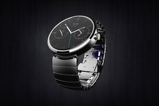 Moto 360 Android Wear smartwatch should charge wirelessly using Qi wireless