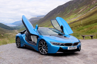bmw i8 driving the supercar of the future image 2
