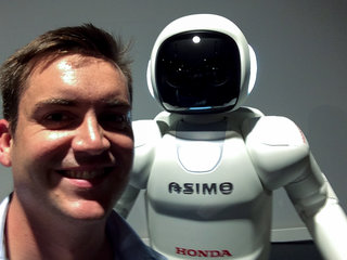 ASIMO up close: The friendly robot visits Europe, we say hello
