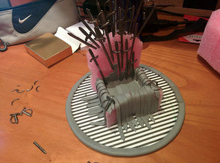 game of phones how to make this iron throne for your mobile image 5