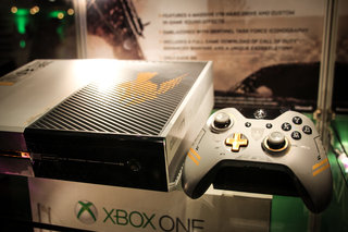 sunset overdrive white xbox one and call of duty advanced warfare limited edition xbox one in the flesh image 10