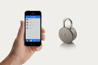 Noke smart padlock uses Bluetooth-enabled phones to unlock instead of keys