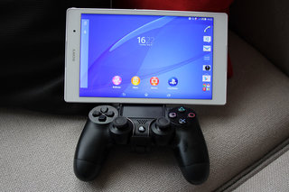 Sony Xperia Z3 series offers PS4 Remote Play, GCM10 lets you mount a DualShock controller