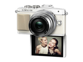 Olympus PEN E-PL7 CSC offers iPhone connectivity and reversable screen for the ultimate selfie