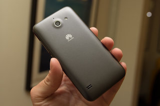 Huawei Ascend Y550 wants to bring 4G to all; Ascend G620S is a 5-incher on a budget