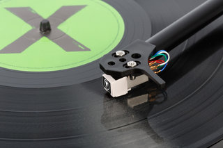 flexson vinylplay digital turntable works with sonos to stream records around the home image 7
