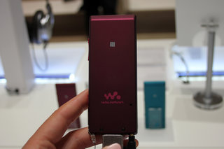 sony nwz a15 walkman is a super cute portable high res music player hands on  image 4