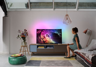 Philips joins curved TV revolution with Ultra HD 4K set of its own, adds Ambilight