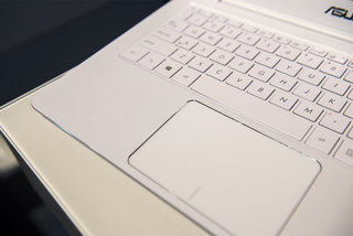 hands on asus zenbook ux305 review image 8
